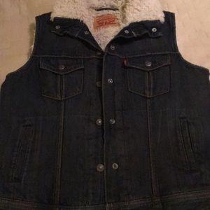 Levi denim vest with faux fur lining